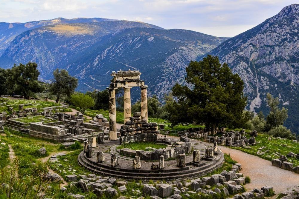 Sanctuaries in Delphi