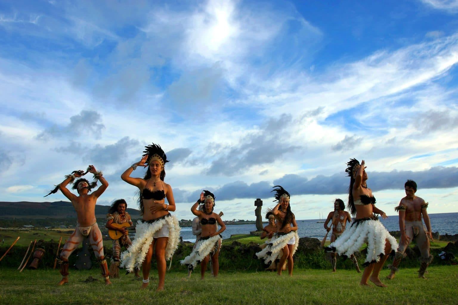 Easter Island Dancing Show