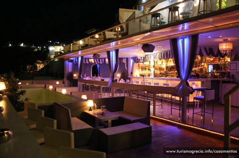 an iconic Santorini bar