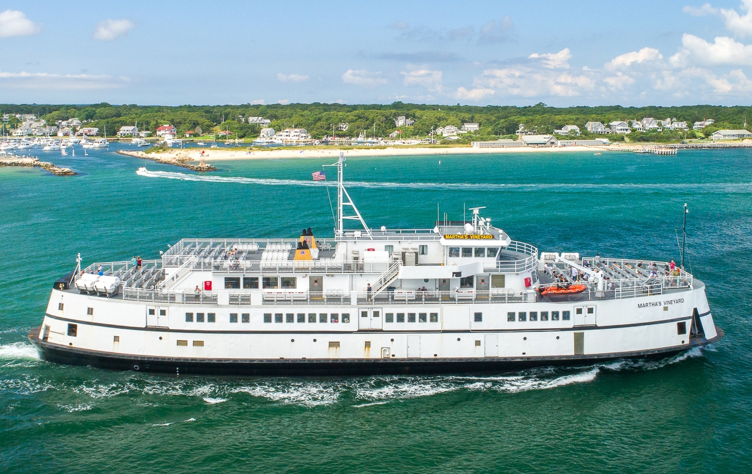 travel to Martha's Vineyard via Ferry