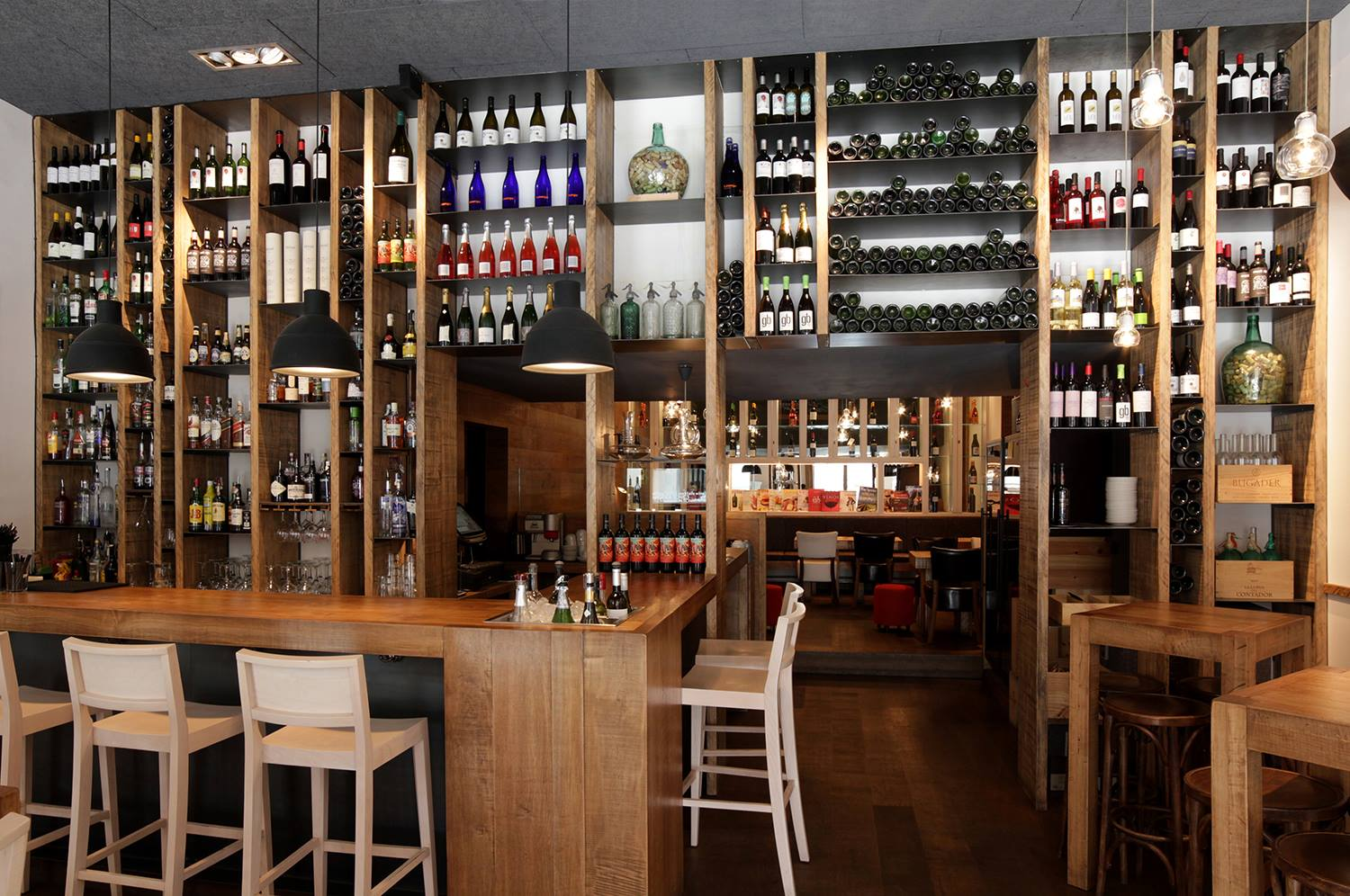 El Diset wine bar