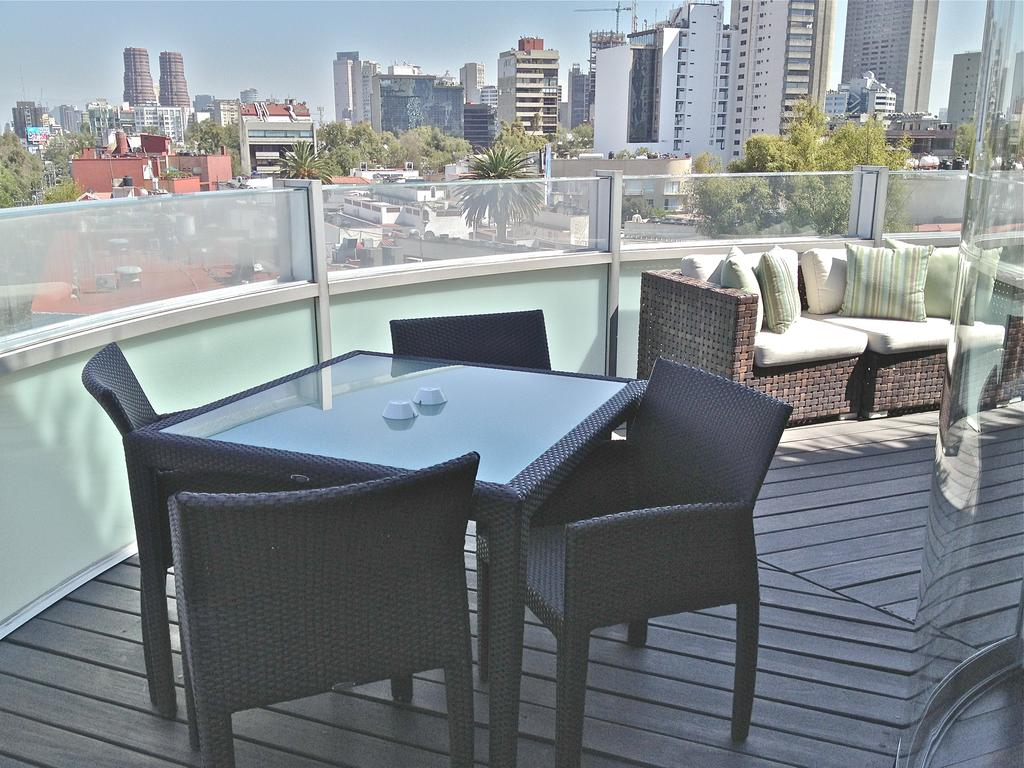 Where to stay in Mexico City - Las Alcobas Hotel Patio