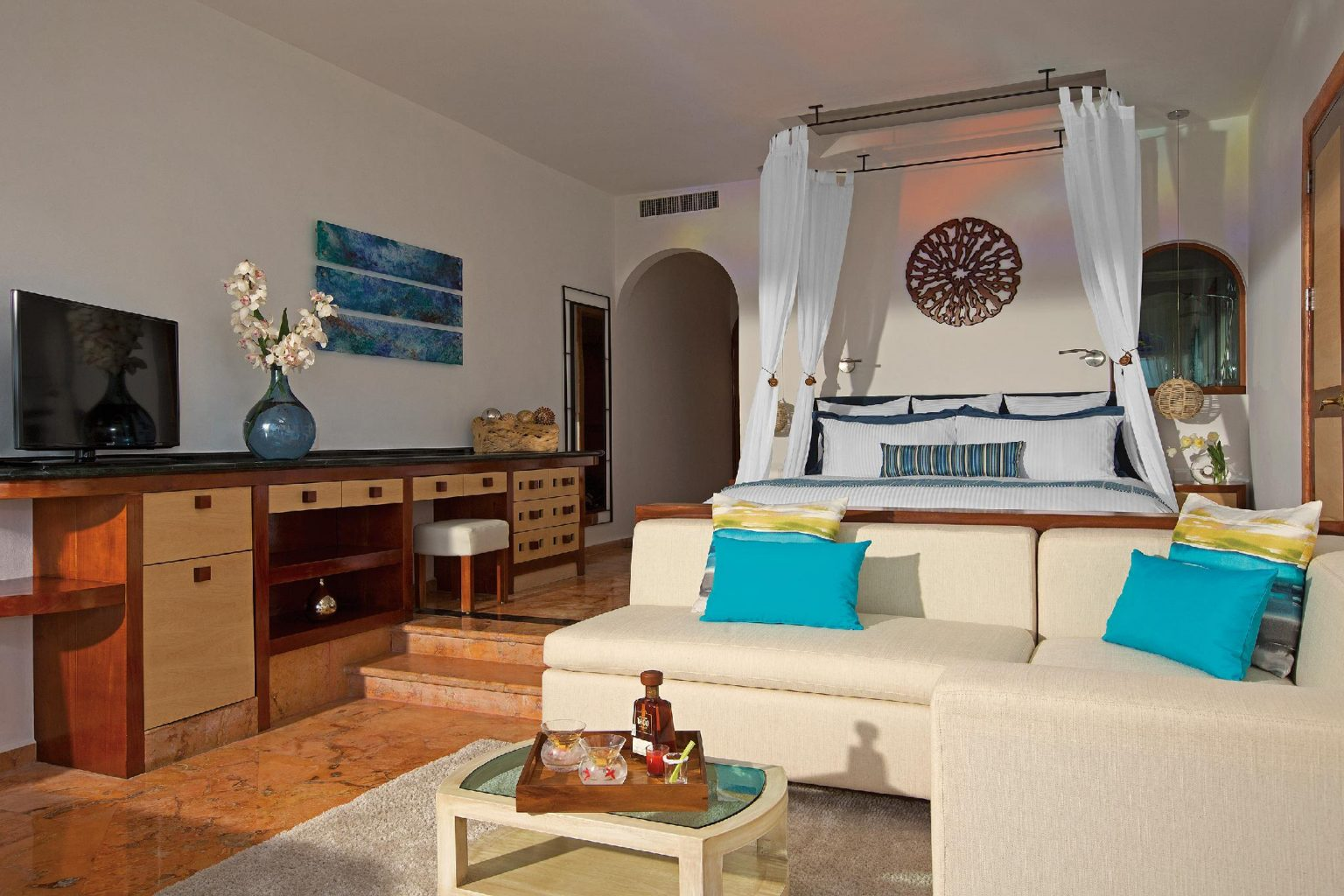 suite inside the Zoetry Villa Rolandi